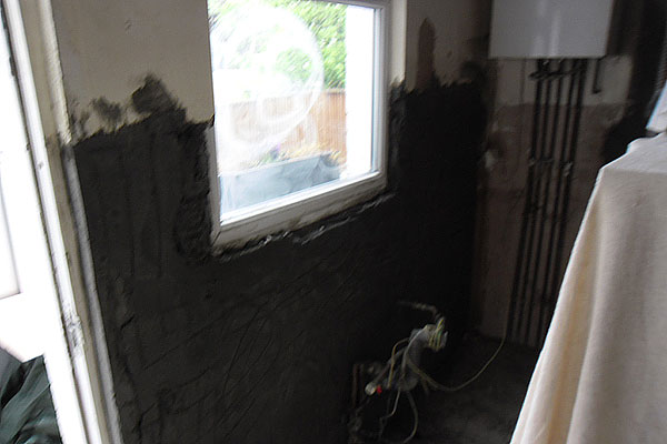 Plastering walls in Southgate