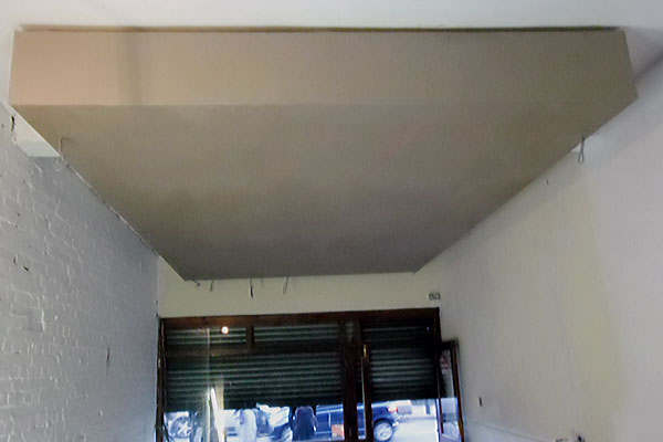 Plastering a false ceiling