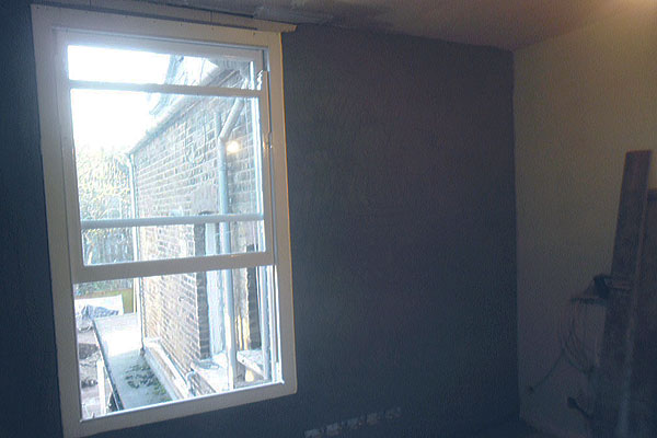 Plastering walls in Barnet